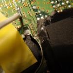 Reperatur einer Durchtrennten Leiterbahn der Wii vom Versuch einen Modchip einzubauchen
